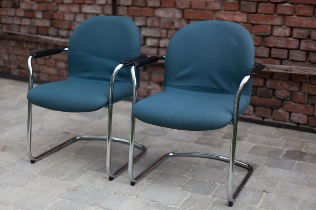zwei sessel mit chromgestell 60er jahre raumwunder vintage wohnen in n rnberg. Black Bedroom Furniture Sets. Home Design Ideas