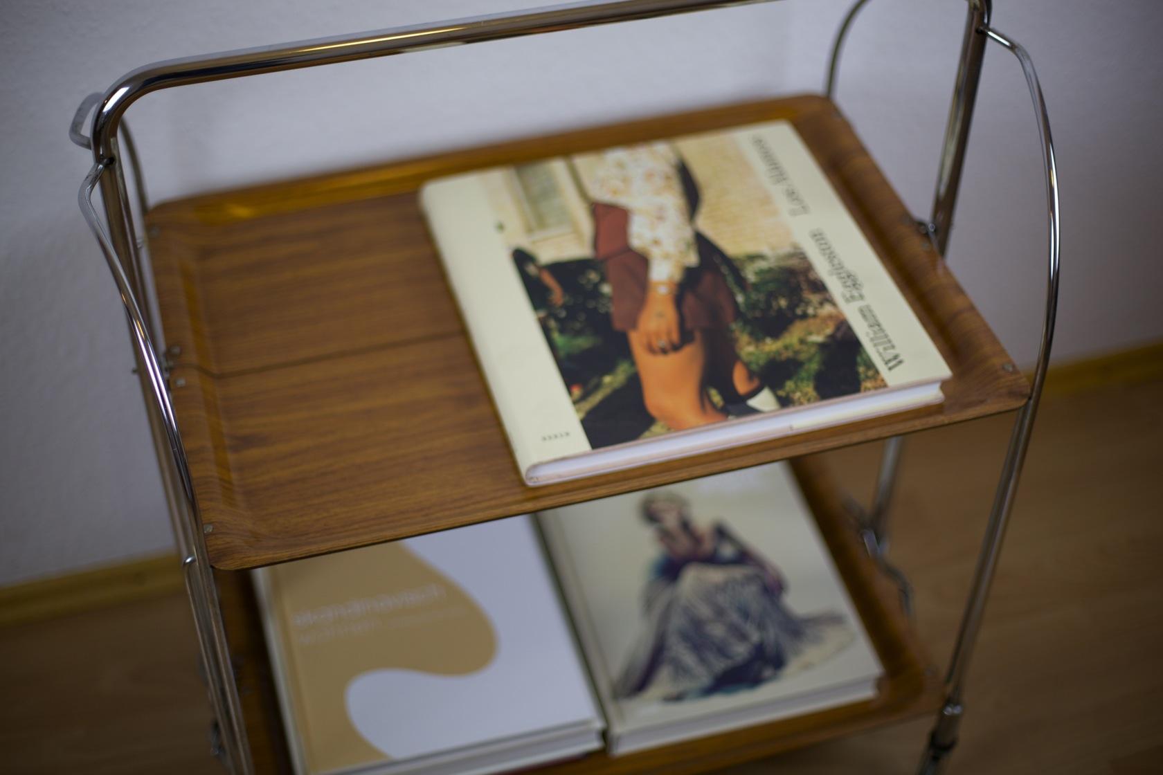 servierwagen dinett raumwunder vintage wohnen in. Black Bedroom Furniture Sets. Home Design Ideas