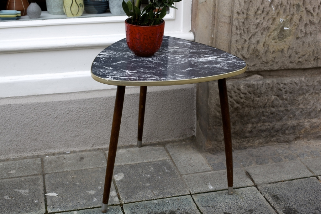 Beistelltisch 50er jahre raumwunder vintage wohnen in for Tisch marmoroptik