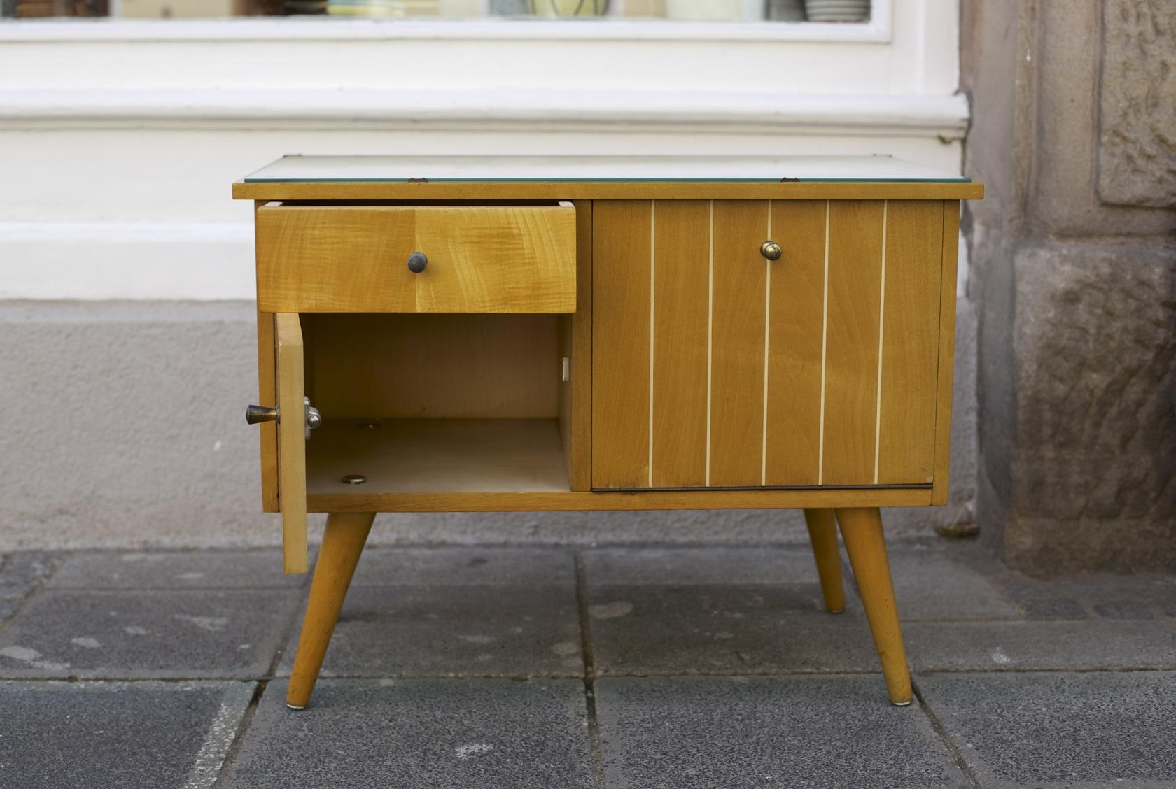 kleine kommoden vintage details about barock kommode. Black Bedroom Furniture Sets. Home Design Ideas