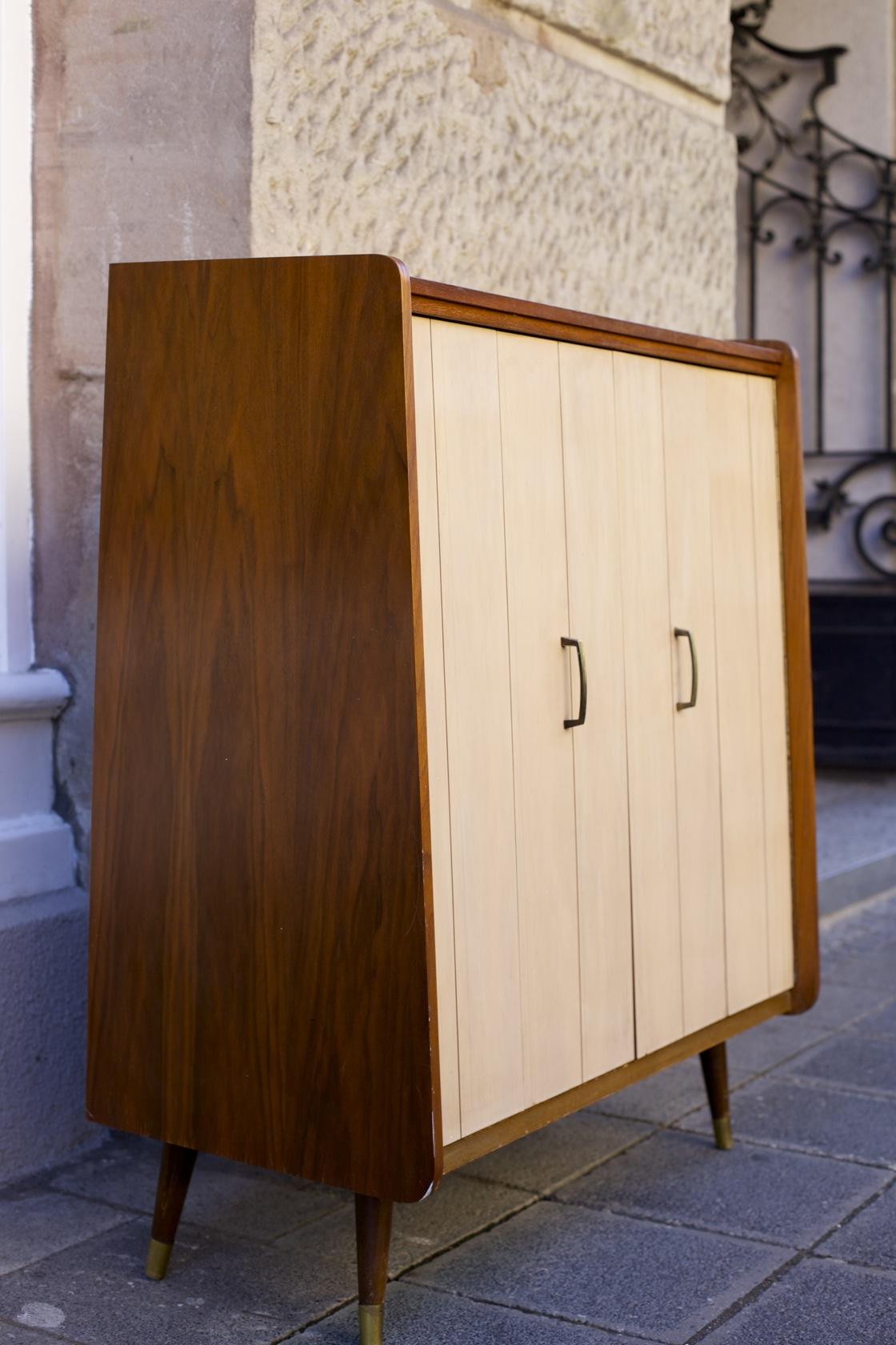 schuhschrank mit faltt ren raumwunder vintage wohnen. Black Bedroom Furniture Sets. Home Design Ideas