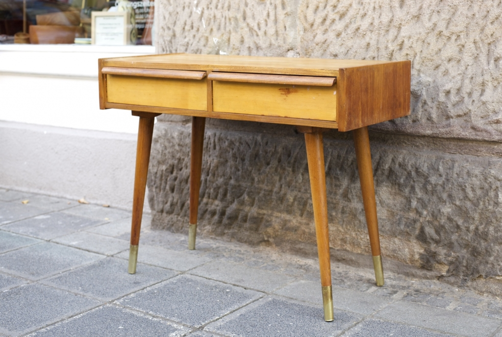 kleine kommode raumwunder vintage wohnen in n rnberg. Black Bedroom Furniture Sets. Home Design Ideas
