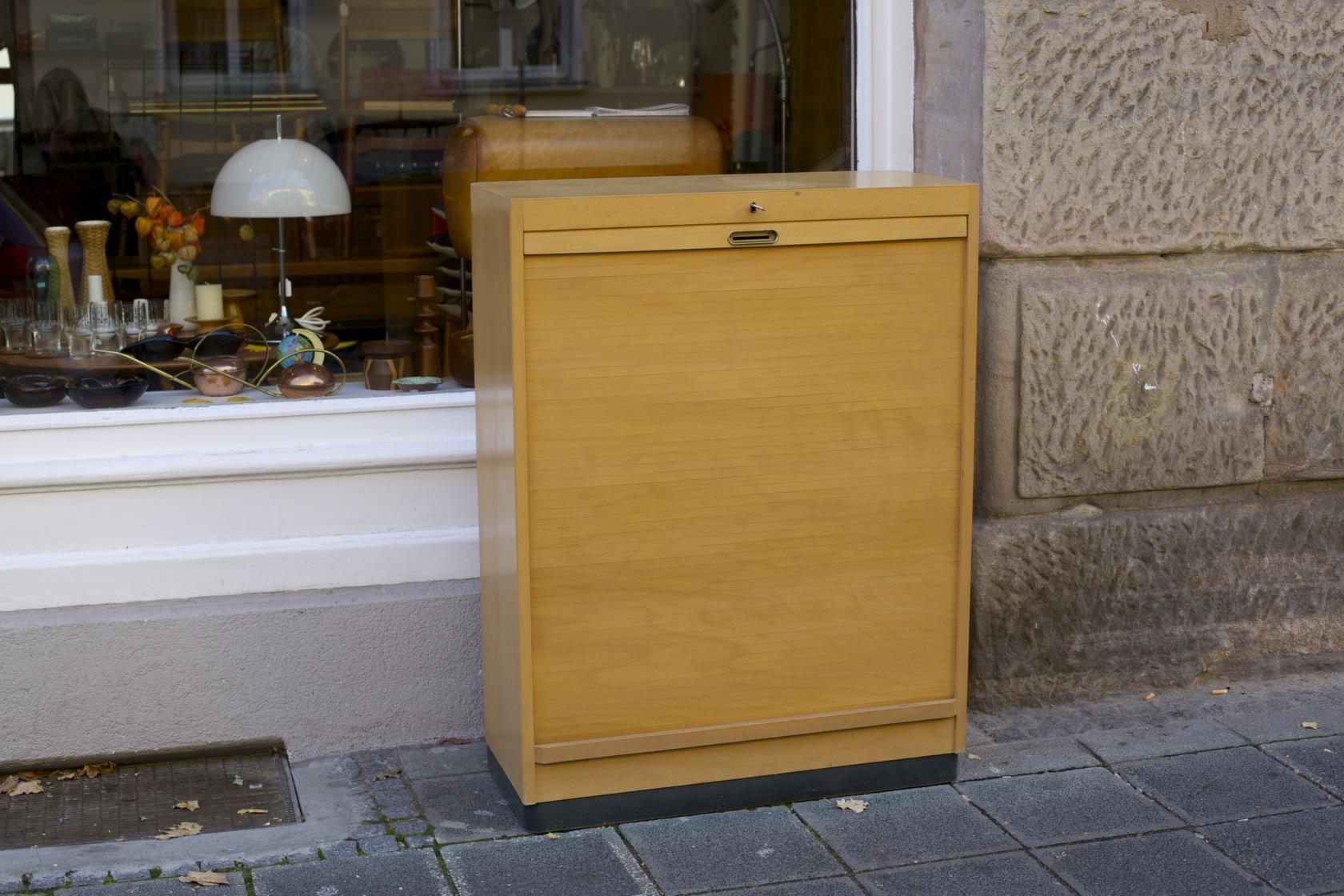 Rollschrank 50er-Jahre Firma EKA - raumwunder - vintage wohnen in ...