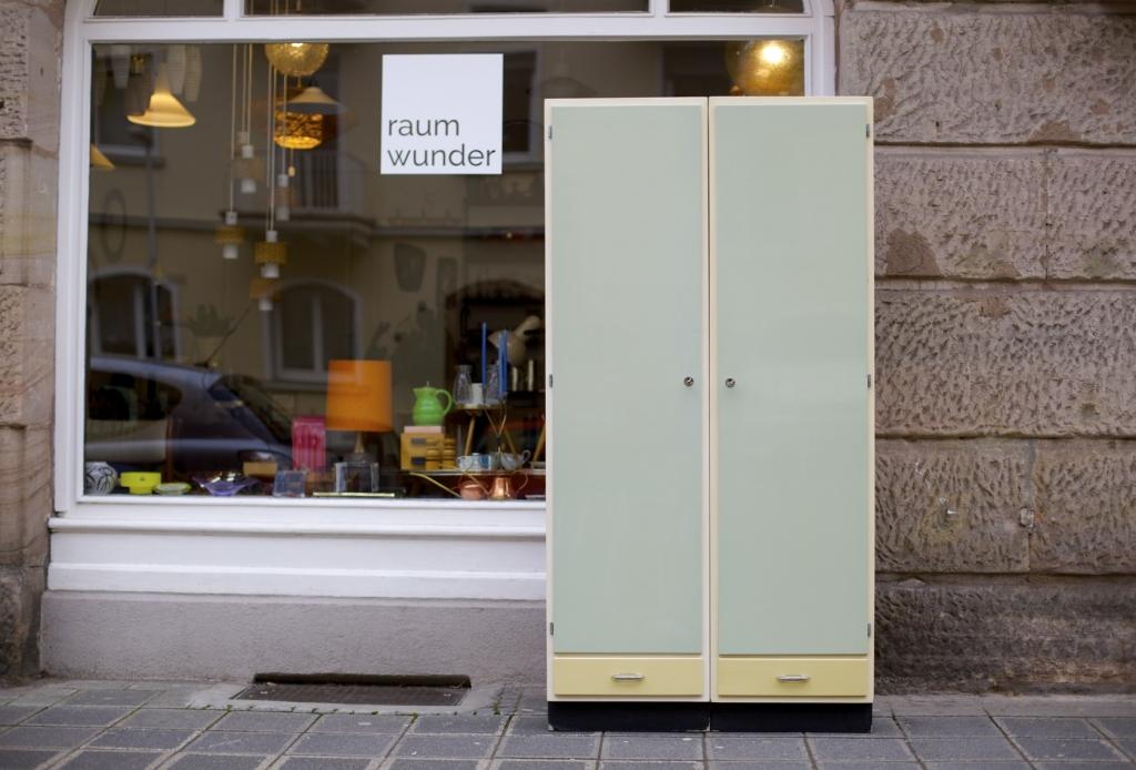 Zwei 50ies-Küchenschränke in Pastell - raumwunder - vintage wohnen ...