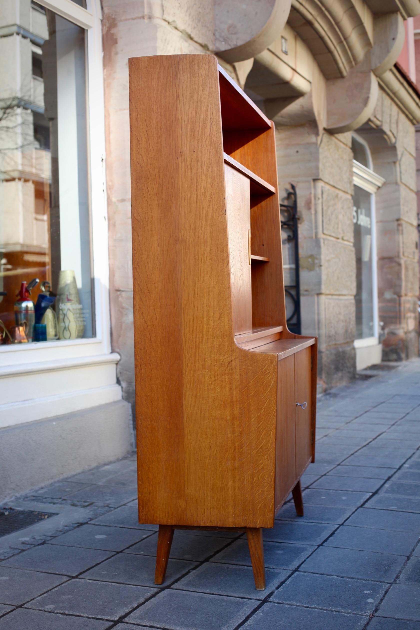 highboard regal sekret r aus den 50er jahren raumwunder vintage wohnen in n rnberg. Black Bedroom Furniture Sets. Home Design Ideas