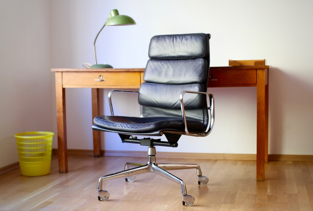 charles und ray eames der soft pad chair ea 219 raumwunder vintage wohnen in n rnberg. Black Bedroom Furniture Sets. Home Design Ideas