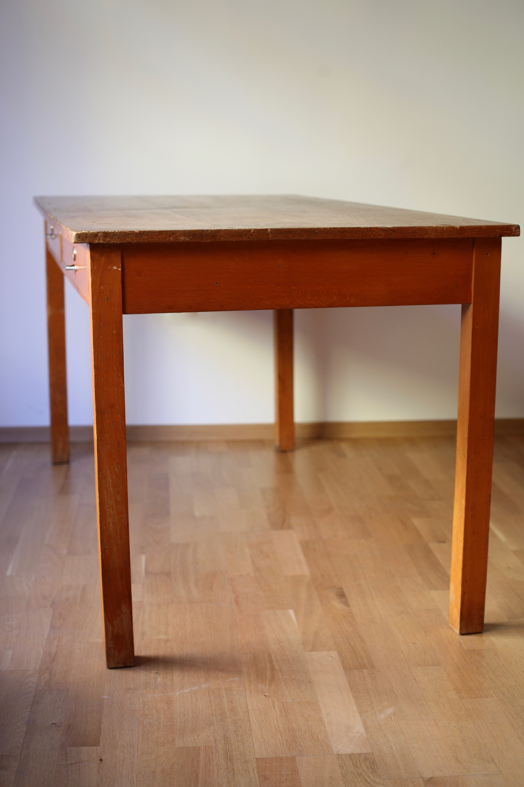 vintage werktisch aus den 50er jahren raumwunder vintage wohnen in n rnberg. Black Bedroom Furniture Sets. Home Design Ideas