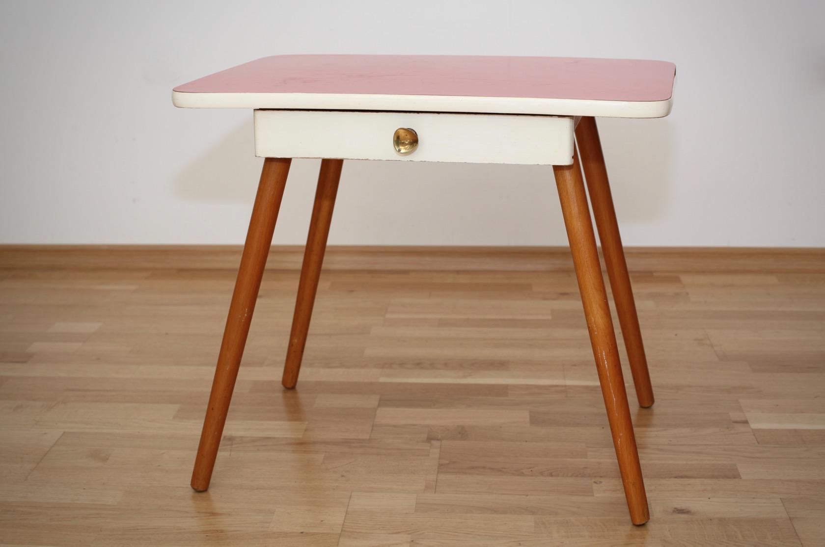 kindertisch und stuhl aus den 50ern raumwunder vintage wohnen in n rnberg. Black Bedroom Furniture Sets. Home Design Ideas