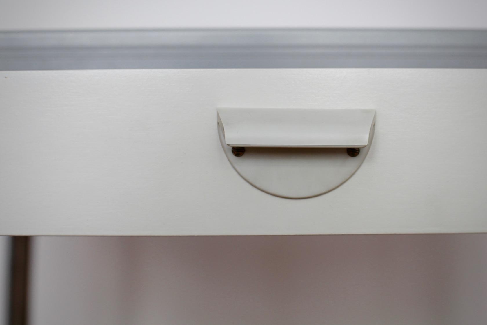 kleiner k chentisch mit stuhl raumwunder vintage. Black Bedroom Furniture Sets. Home Design Ideas