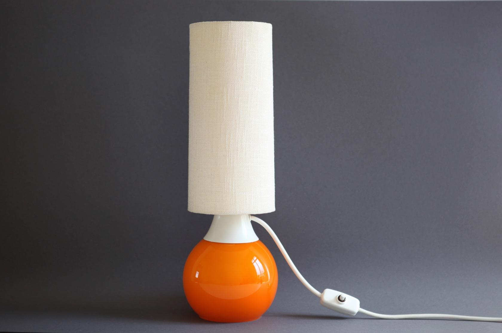 tischlampe  orange aus den er jahren raumwunder