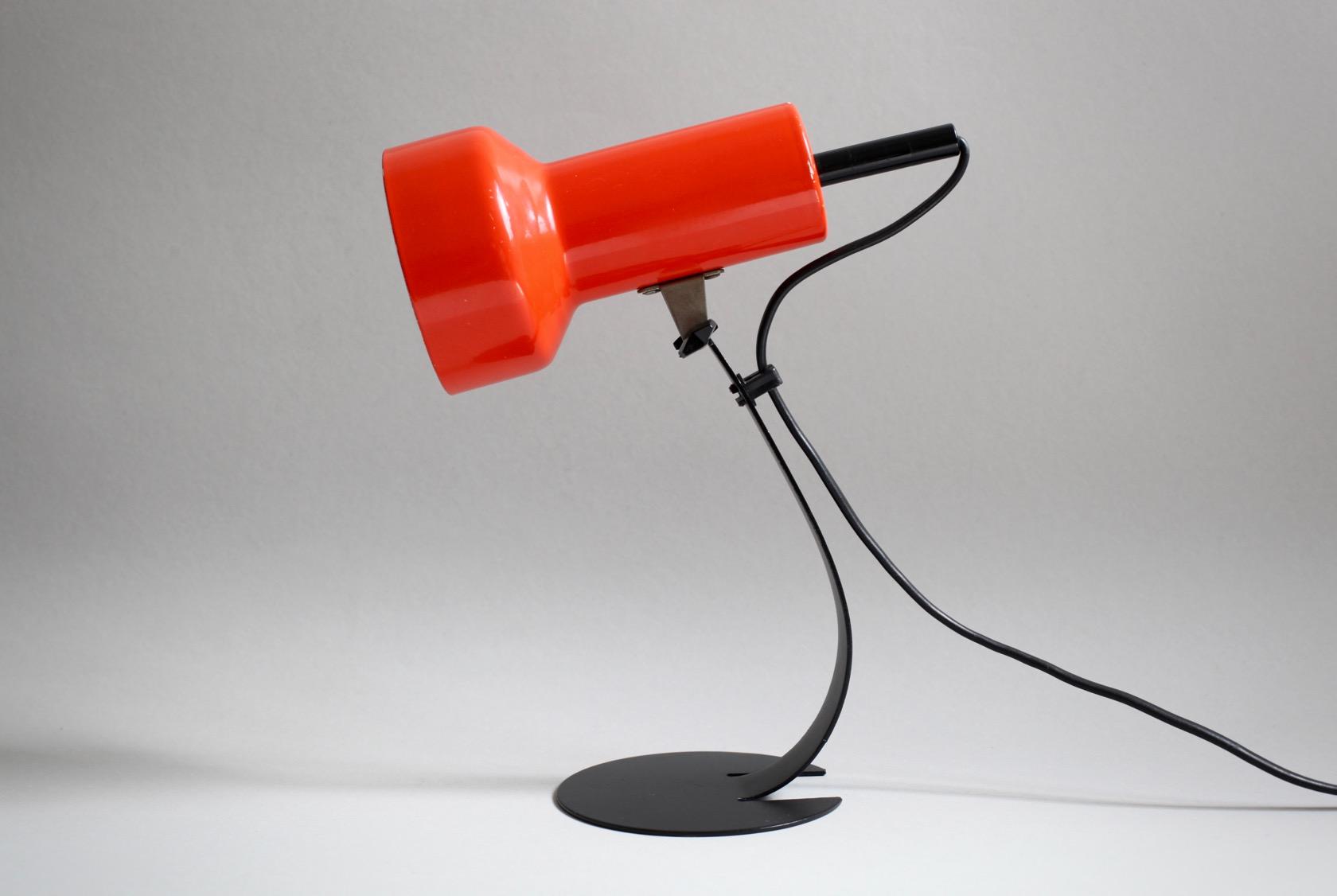 kleine tischlampe mit metallfu raumwunder vintage wohnen in n rnberg. Black Bedroom Furniture Sets. Home Design Ideas