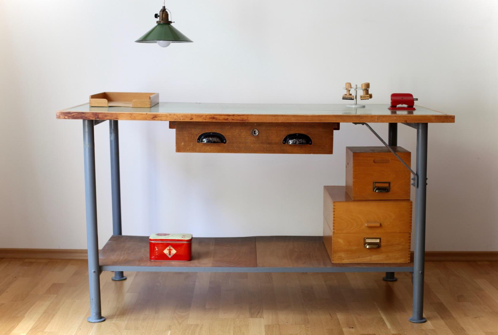 gro er vintage werkstatt oder arbeitstisch raumwunder vintage wohnen in n rnberg. Black Bedroom Furniture Sets. Home Design Ideas