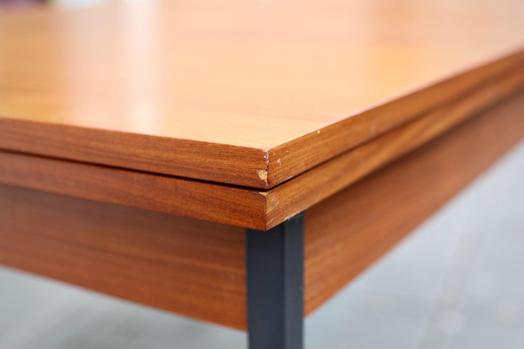 Ausziehbarer 60ies-Tisch in Teak - raumwunder - vintage ...