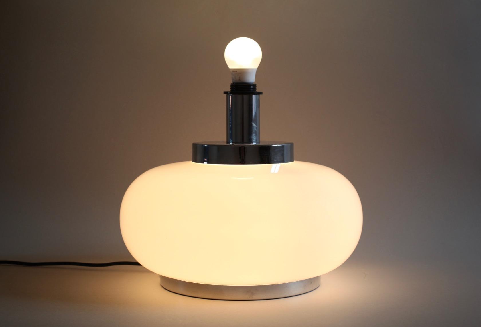 Ansprechend Tischlampe Mit Glasfuß Dekoration Von Tischlampe-italien-5