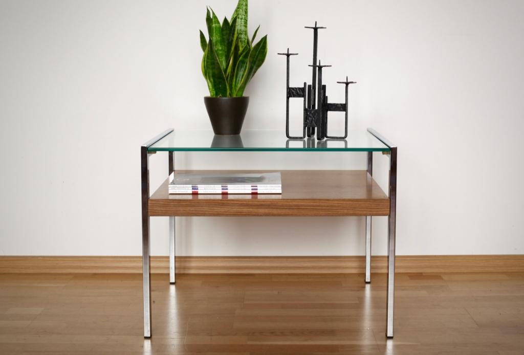 beistelltisch aus den 60er 70er jahren raumwunder vintage wohnen in n rnberg. Black Bedroom Furniture Sets. Home Design Ideas