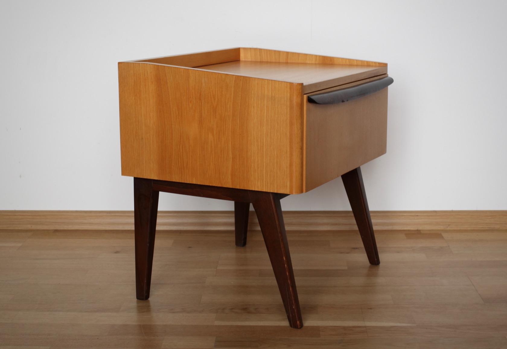 zwei nachtk stchen aus den 50er jahren raumwunder vintage wohnen in n rnberg. Black Bedroom Furniture Sets. Home Design Ideas