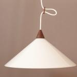 lampe-teak-plastik-2