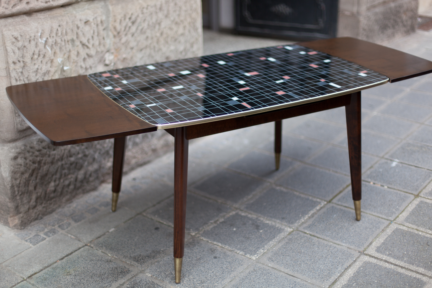 wohnzimmertisch esstisch 50er jahre raumwunder vintage wohnen in n rnberg. Black Bedroom Furniture Sets. Home Design Ideas
