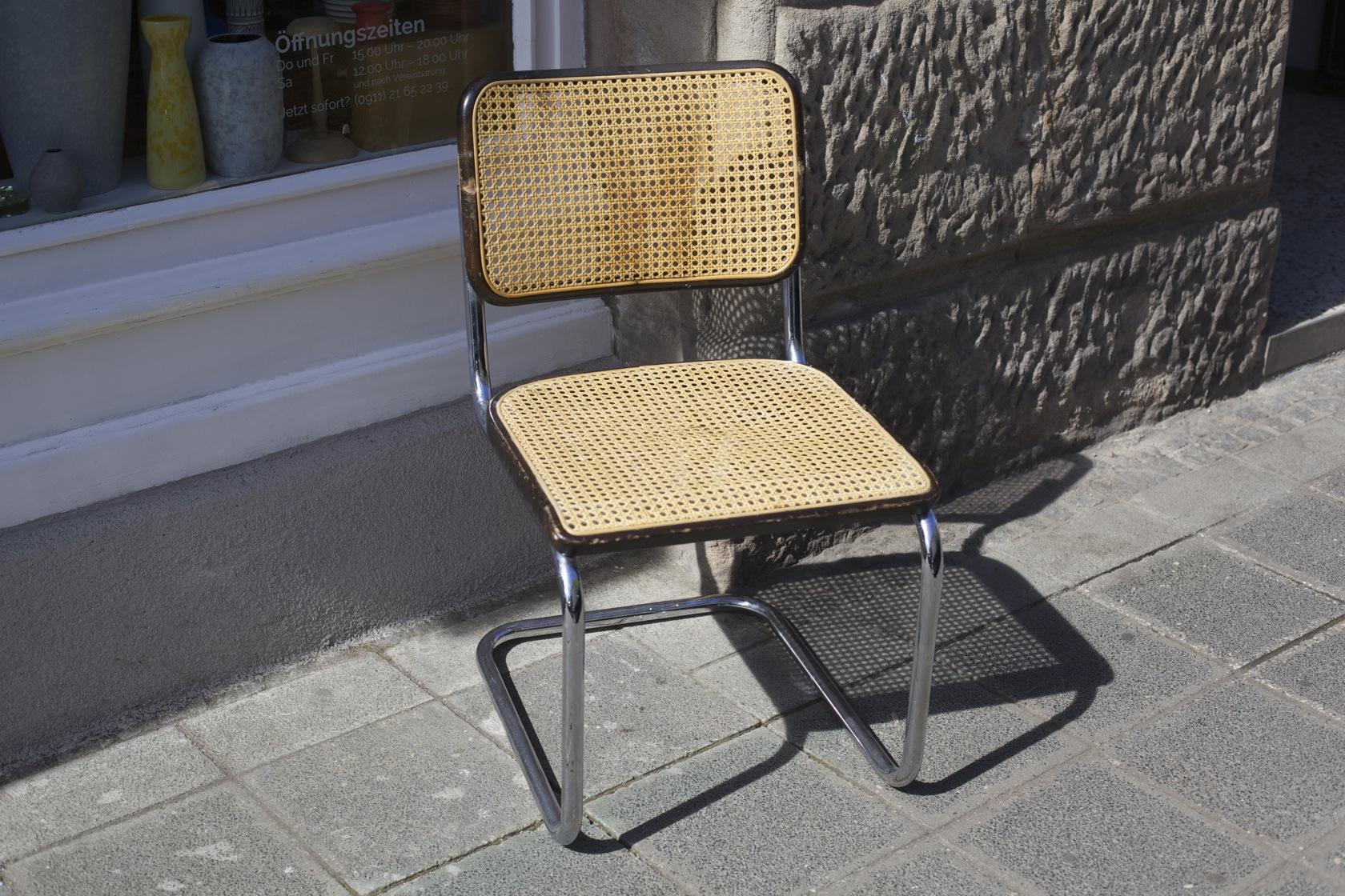 freischwinger s 32 von marcel breuer f r thonet. Black Bedroom Furniture Sets. Home Design Ideas
