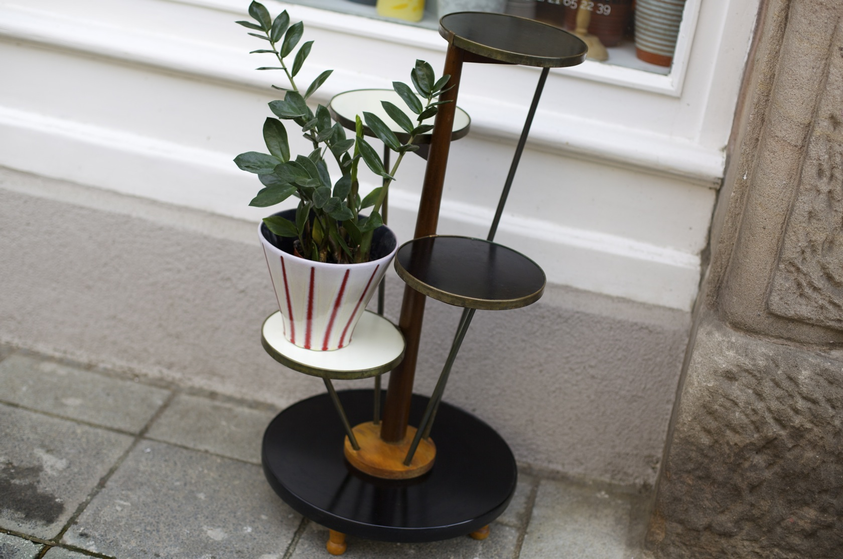 blumenetagere 50er jahre raumwunder vintage wohnen in n rnberg. Black Bedroom Furniture Sets. Home Design Ideas