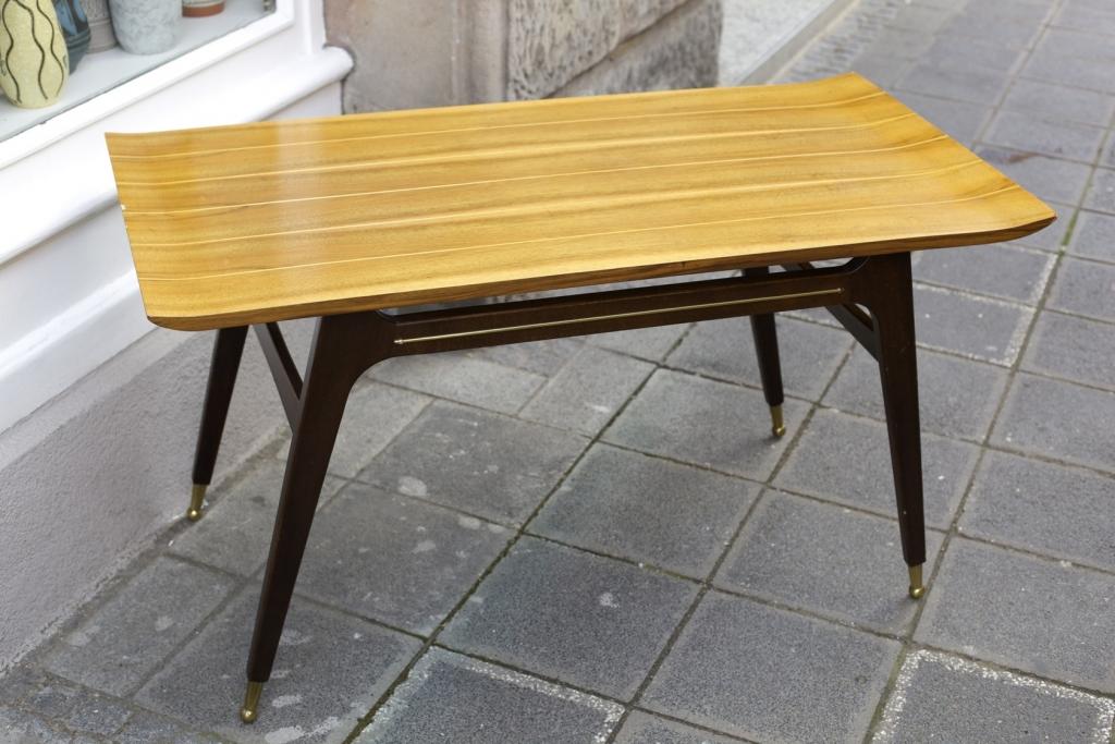 interessanter couchtisch 50er jahre raumwunder vintage wohnen in n rnberg. Black Bedroom Furniture Sets. Home Design Ideas