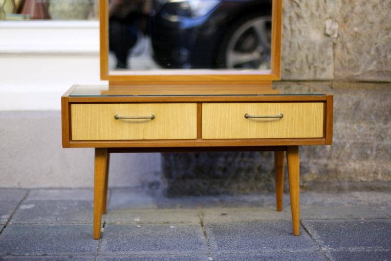 spiegelkommode aus den 50er jahren raumwunder vintage wohnen in n rnberg. Black Bedroom Furniture Sets. Home Design Ideas