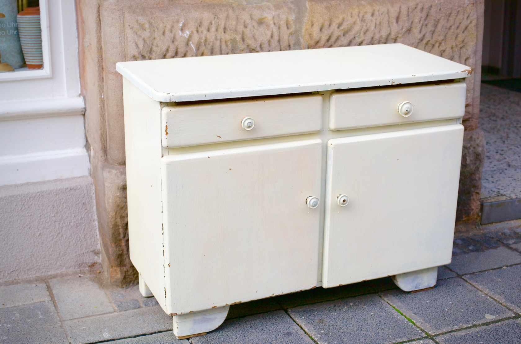 kleine anrichte shabby chic raumwunder vintage wohnen in n rnberg. Black Bedroom Furniture Sets. Home Design Ideas