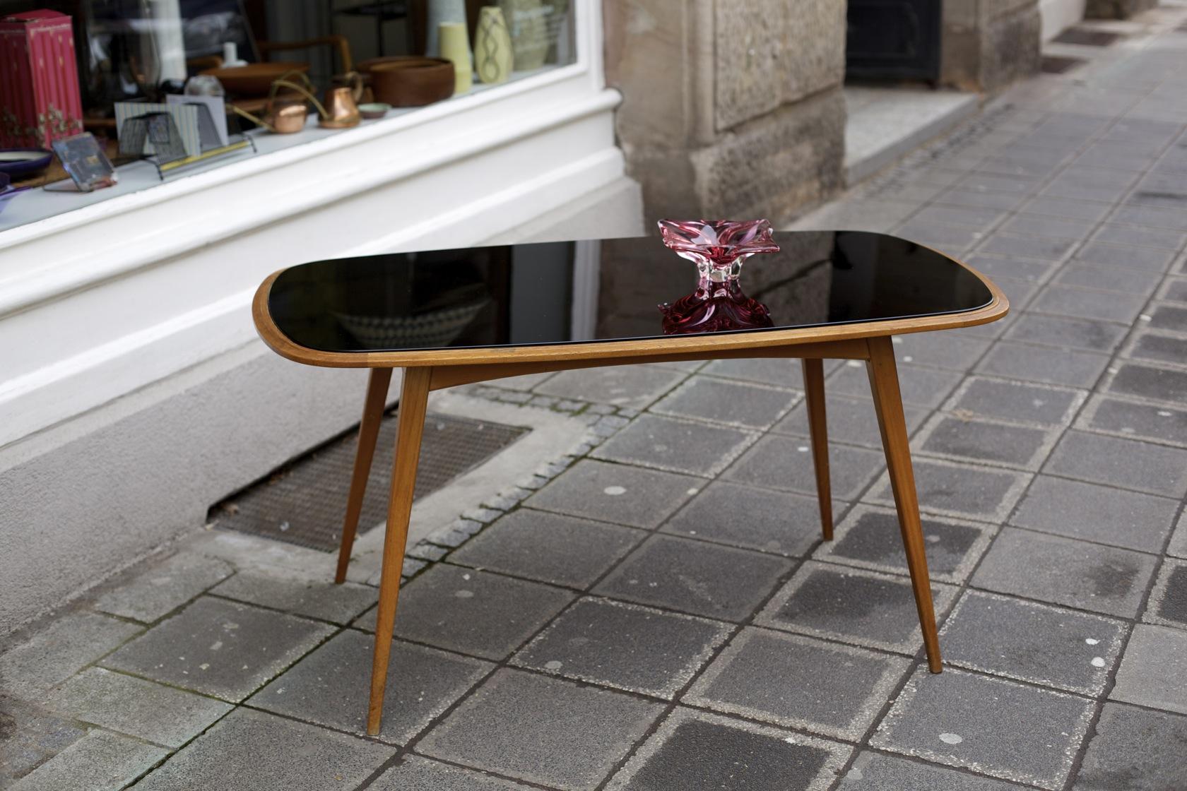 wohnzimmertisch aus den 50er jahren raumwunder vintage wohnen in n rnberg. Black Bedroom Furniture Sets. Home Design Ideas