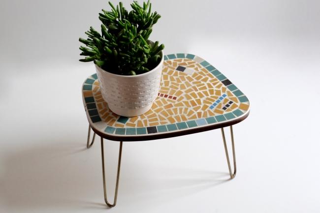mosaik blumenhocker mit schlaufenbeinen raumwunder. Black Bedroom Furniture Sets. Home Design Ideas