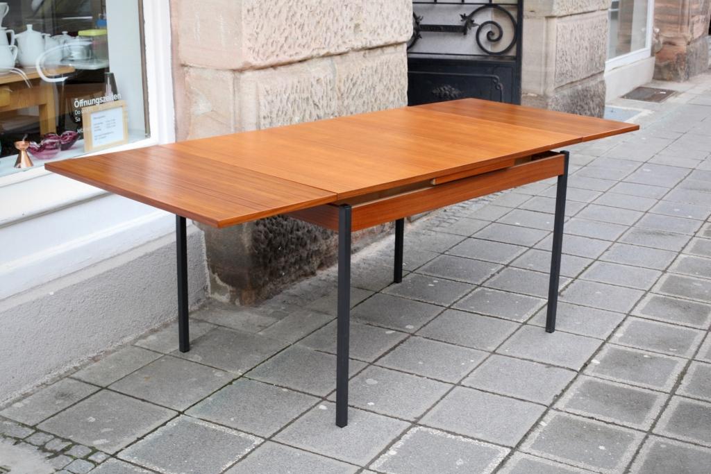 Ausziehbarer 60ies-Tisch in Teak - raumwunder - vintage wohnen in ...