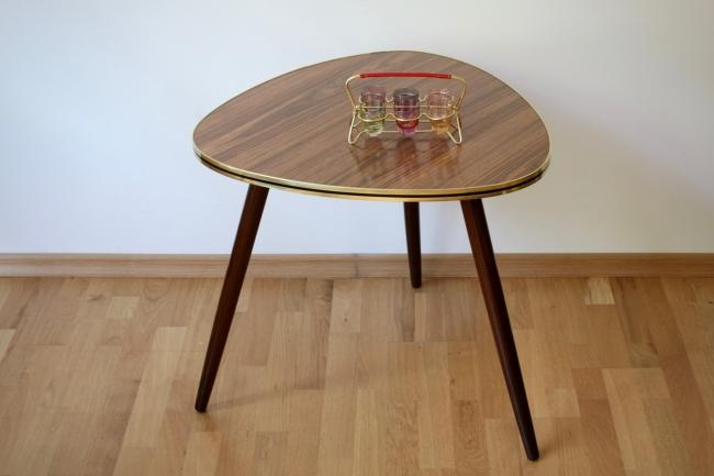 beistelltisch aus den 50er jahren raumwunder vintage wohnen in n rnberg. Black Bedroom Furniture Sets. Home Design Ideas